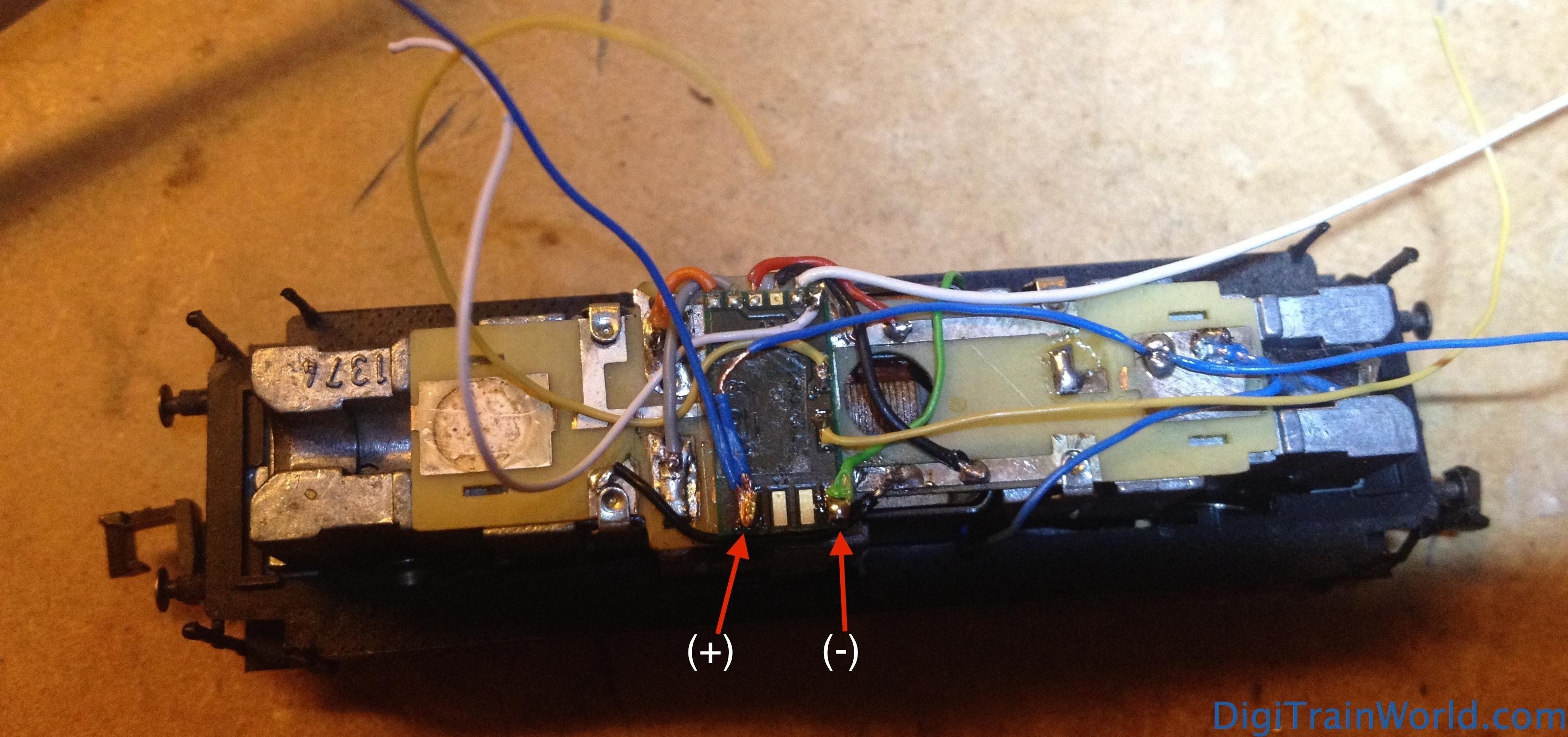Fleischmann N - DB V100 DCC Conversion -  DH05C decoder